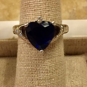 Jewelry - Sterling silver claddagh ring size 7